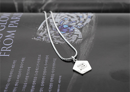 BIGBANG BOLD PENTAGON NECKLACE - COLORE SILVER