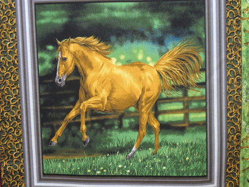 FABRI QUILT IN-RUNNING WHILD HORSE PANEL - A